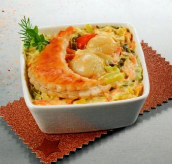 Cassolette de St Jacques garnie et crème (mini 10 pers)