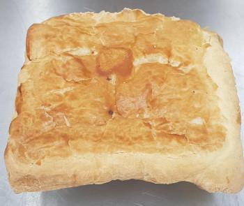 Cassolette d'écrevisses sauce Nantua recouvert d'un feuilletage pur beurre (mini 10 pers)
